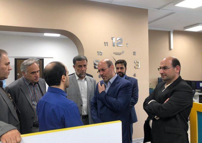 مشاور فرماندهی کل قوا از ایستگاه نوآوری شریف بازدید کردند